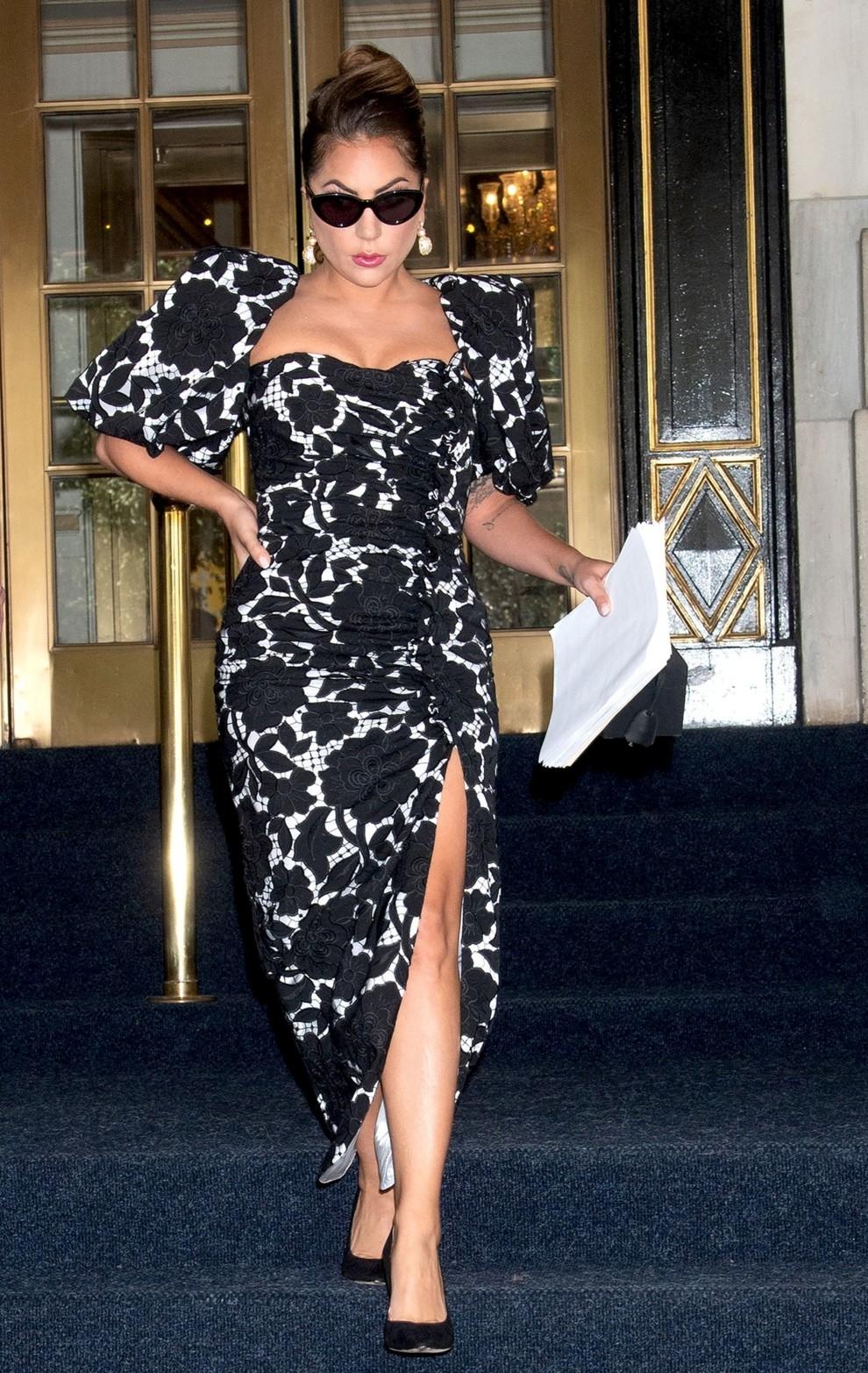 В духе старого Голливуда: Леди Гага восхитила поклонников новыми образами (ФОТО+ГОЛОСОВАНИЕ) - фото №3