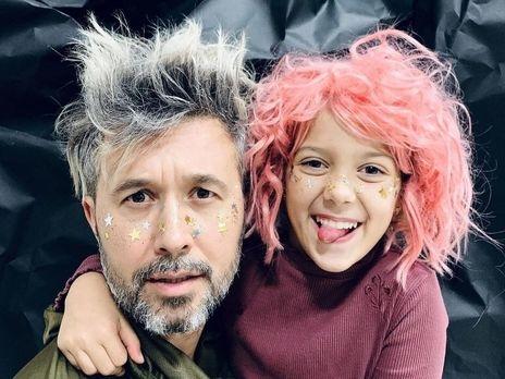 Сергей Бабкин записал дуэтную песню с 10-летней дочерью - фото №1
