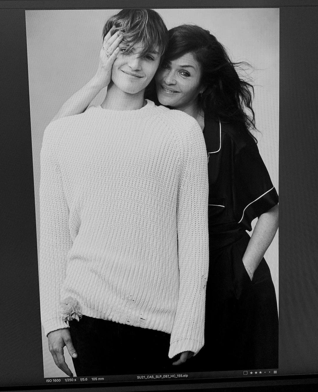 Хелена Кристенсен вместе с сыном снялись для Victoria's Secret (ФОТО) - фото №2
