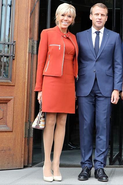 Икона стиля: лучшие образы первой леди Франции Брижит Макрон (ФОТО) - фото №4