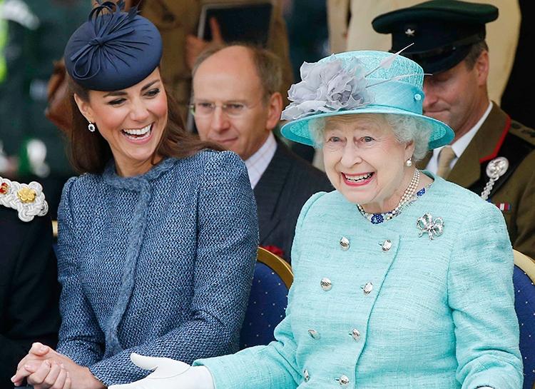 Британцы назвали монарха, которого хотели бы видеть на престоле после Елизаветы II - фото №3