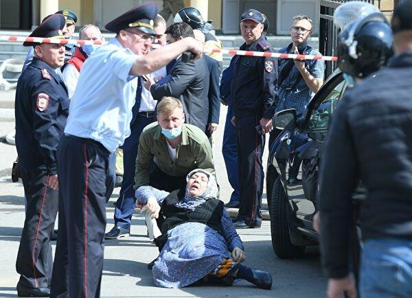 Погибло семеро детей и двое взрослых: что известно о стрельбе в одной из школ Казани - фото №2