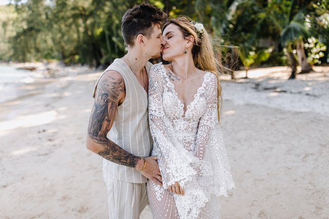 MamaRika вышла замуж
