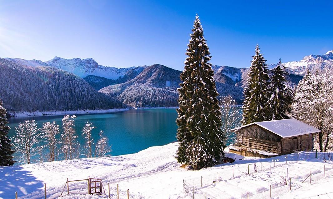 Любовь в горах: лучшие курорты для романтического отдыха - фото №1