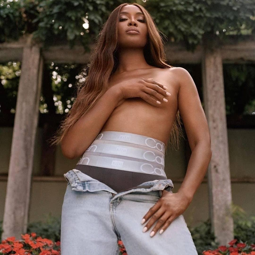 Наоми Кэмпбелл снялась топлес в новой рекламной кампании Calvin Klein (ФОТО) - фото №1