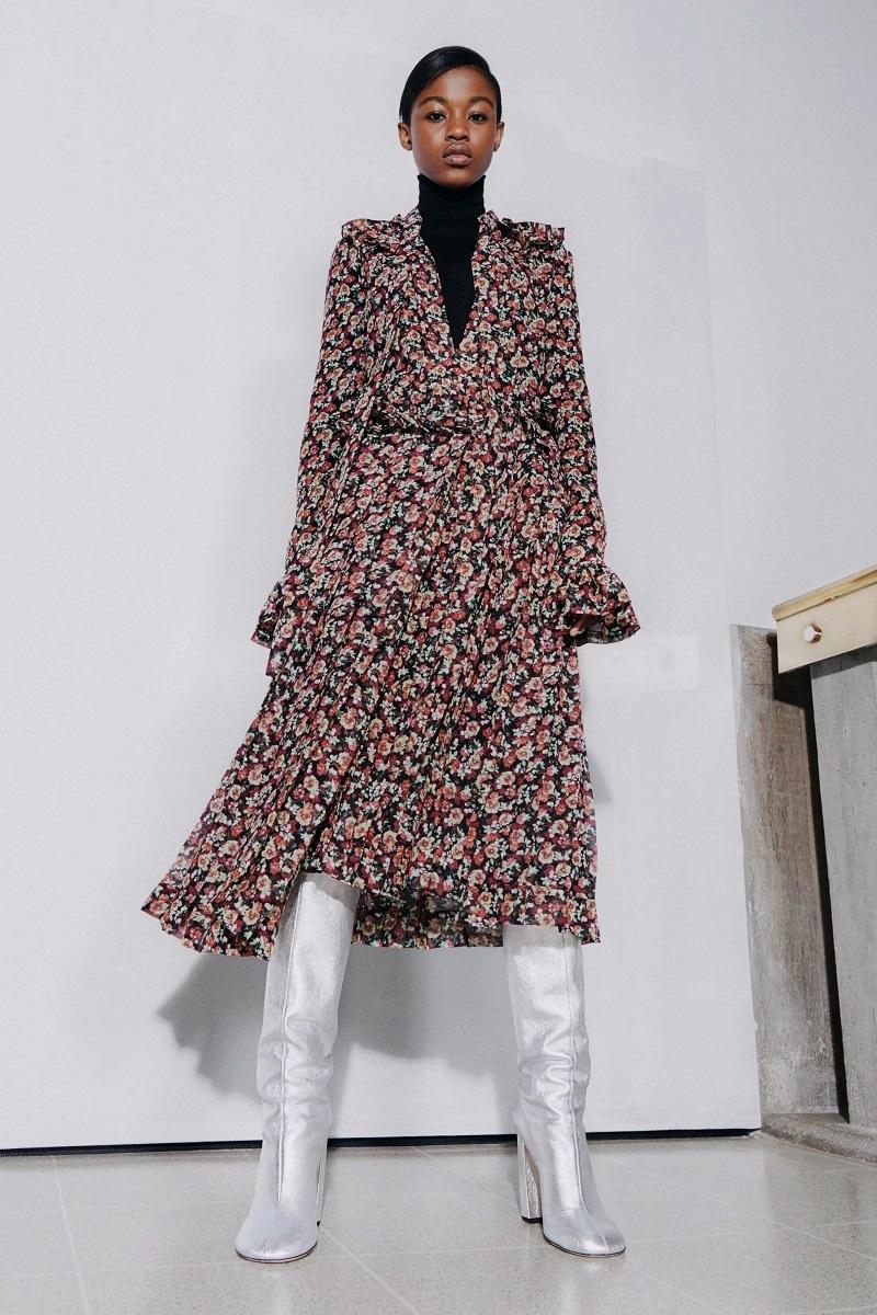 Цветочные платья и элегантные костюмы: обзор новой коллекции Victoria Beckham (ФОТО) - фото №3