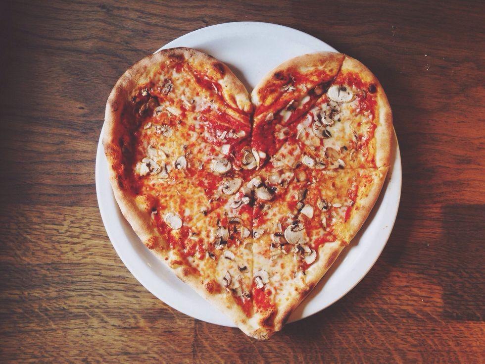 блюдо в форме сердца