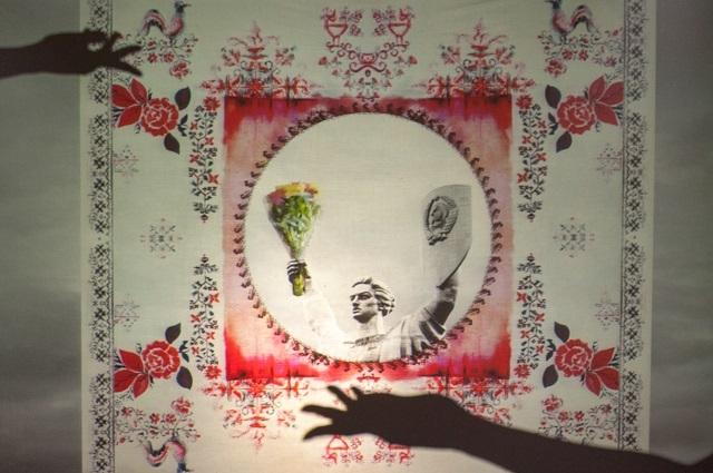 Художниця ZINAIDA на UFW NoSS 2021 презентувала колекцію хустин, орнаментовану принтами Батьківщини-матері (ФОТО) - фото №3