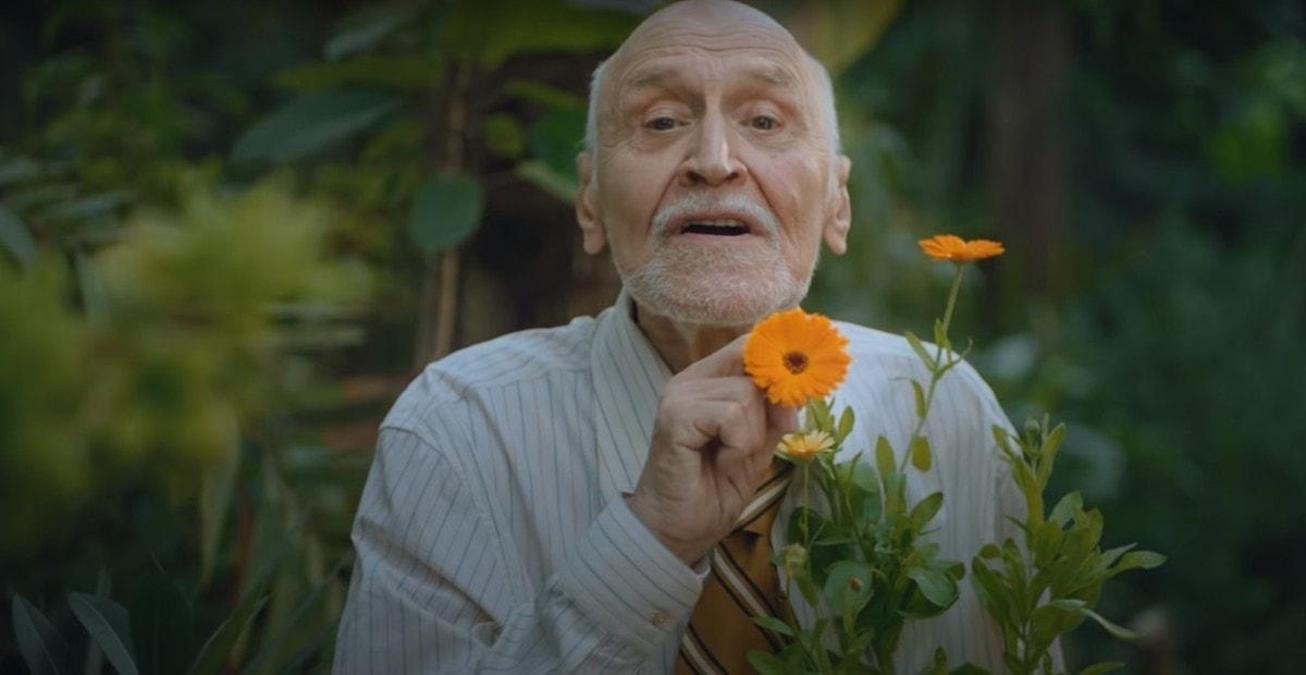 Целебные травы: 83-летний Николай Дроздов снялся для глянца Vogue в образе от Gucci (ВИДЕО) - фото №2