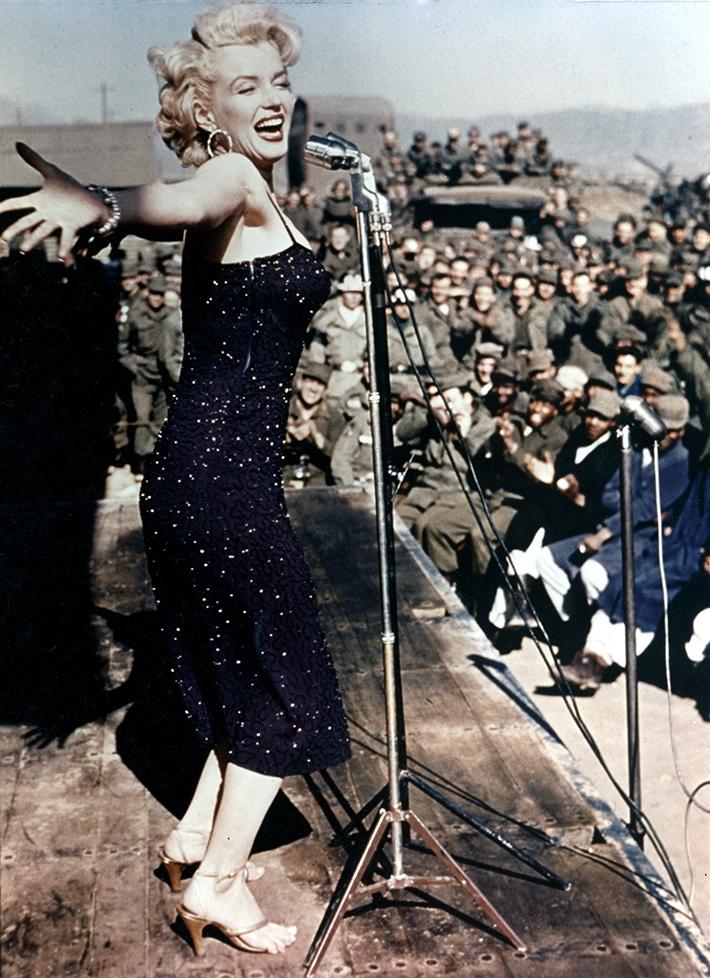 Годовщина смерти Мэрилин Монро: самые эффектные образы знаменитой актрисы (ФОТО) - фото №1