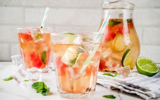 Крутые летние коктейли, которые можно повторить дома - фото №5