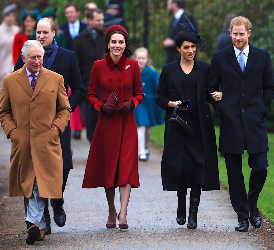 Королевское перемирие: принцы Гарри и Уильям с супругами обменялись рождественскими подарками - фото №1