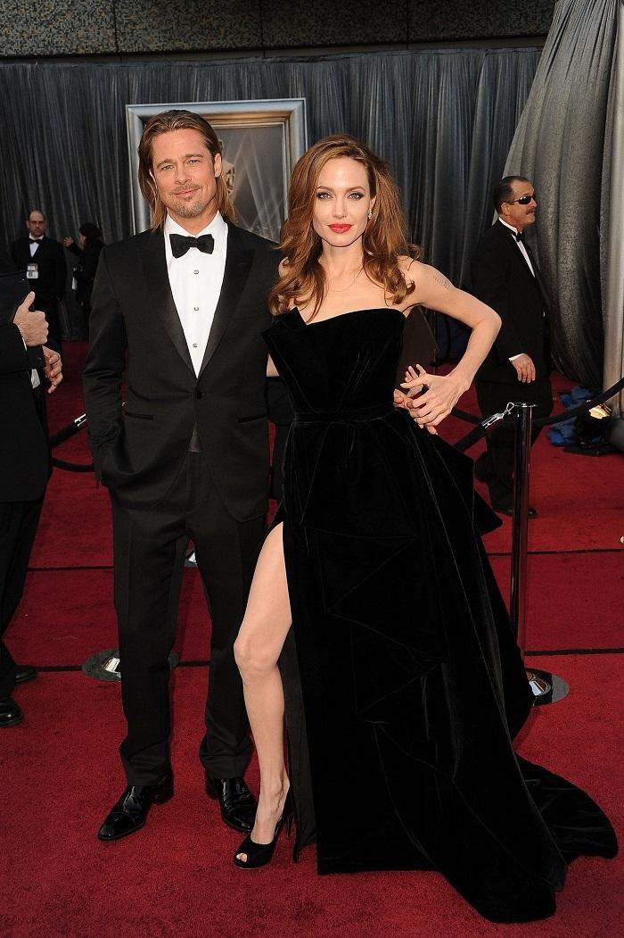 Была полностью сломленной: Анджелина Джоли призналась, что развод с Брэдом Питтом сильно ранил ее - фото №1