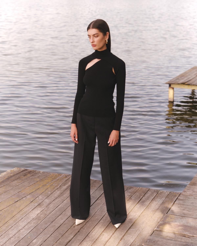 Структурированные пиджаки, трикотажные платья и туники в новой коллекции L.A.B BY TERNOVSKAYA - фото №1