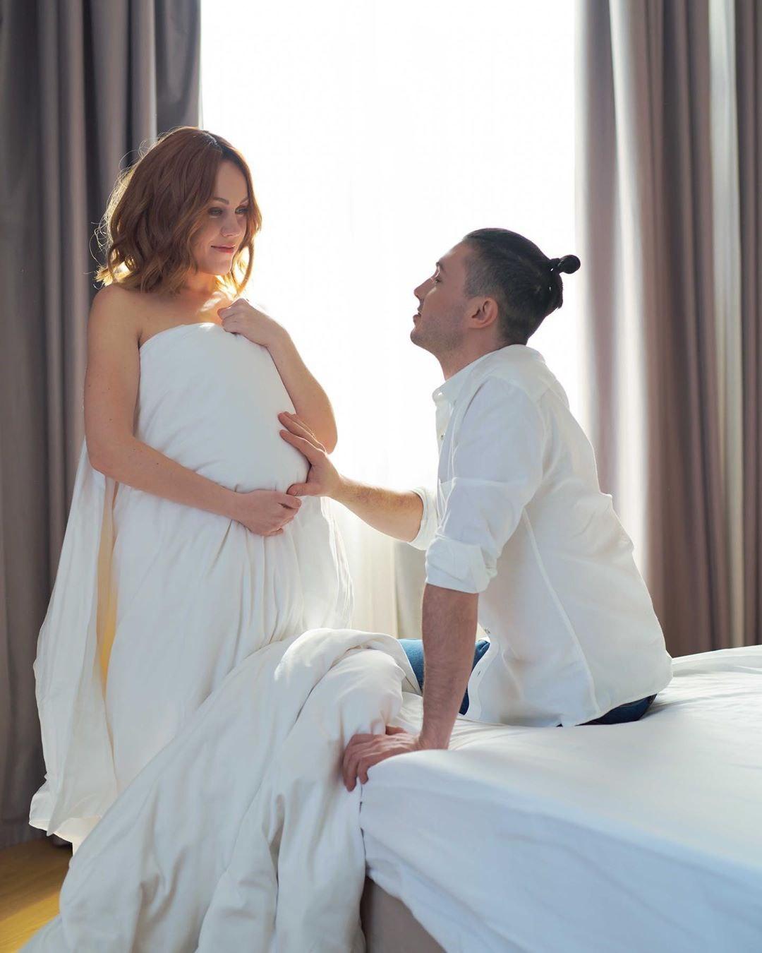 беременная Alyosha и Тарас Тополя