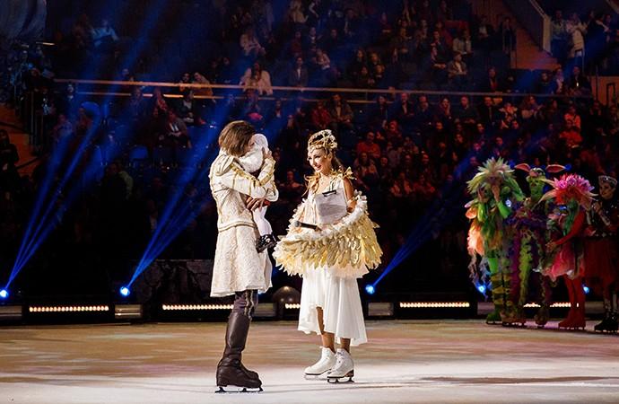 Петр Чернышев на льду показал их с Анастасией Заворотнюк подросшую дочь Милу (ФОТО)