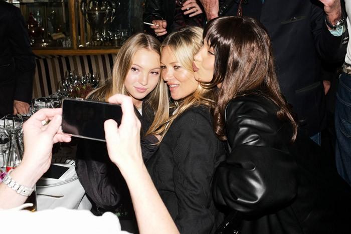 В честь презентации нового аромата: Роберт Паттинсон, Белла Хадид, Кейт Мосс и другие селебрити на вечеринке Dior - фото №1