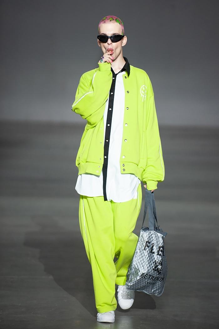 Показ вне модельных стандартов: ROUSSIN представили новую коллекцию на Ukrainian Fashion Week (ФОТО) - фото №2