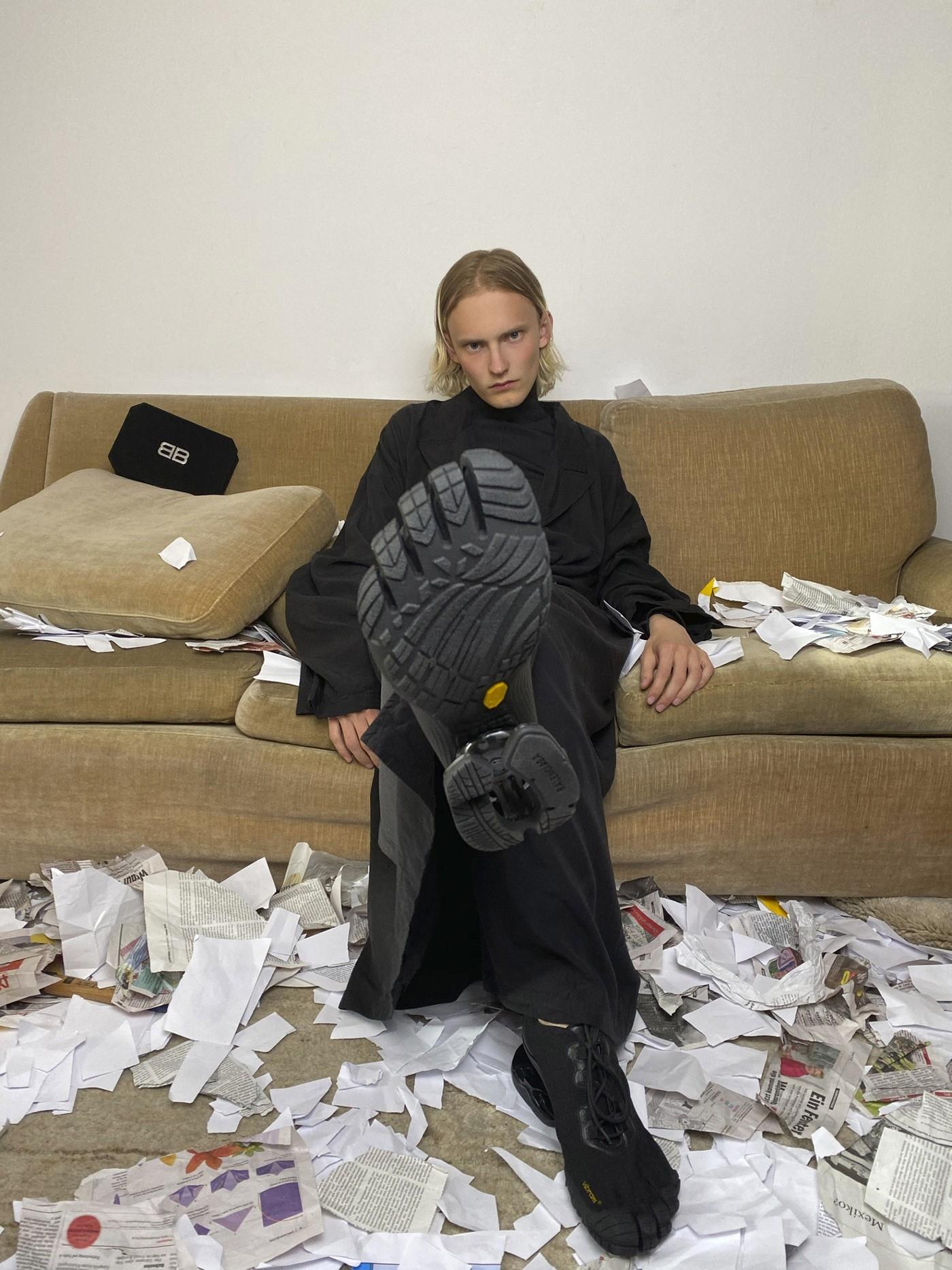 Тренд или антитренд? Balenciaga и Vibram выпустили обувь на пять пальцев (ФОТО) - фото №1