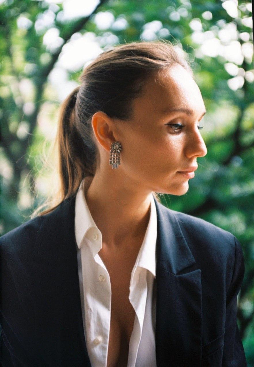 """""""Я слежу за трендами, но не всегда солидарна с мировыми дизайнерами"""": Виктория Варлей рассказала, как создать идеальный гардероб - фото №3"""