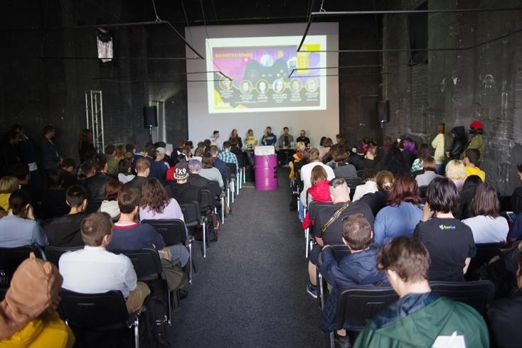 Comic Con Ukraine 2021 посетили мировые кинозвезды Марк Дакаскос, Наталия Тена и Анна Шаффер - фото №6