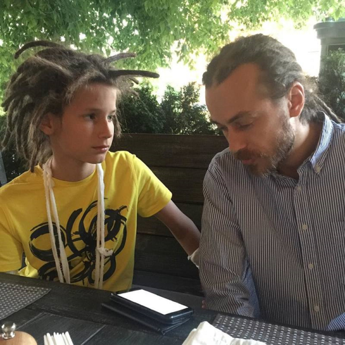"""""""Он мне никто"""": сын Децла рассказал о своих взаимоотношениях с дедушкой - фото №1"""