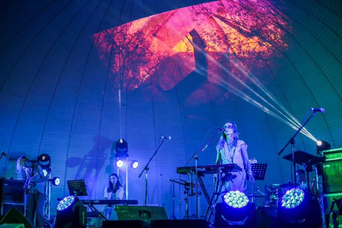 150 музикантів, 50 концертів та 10000 відвідувачів: як пройшов Koktebel Jazz Festival на Арабатській Стрілці (ФОТО) - фото №1