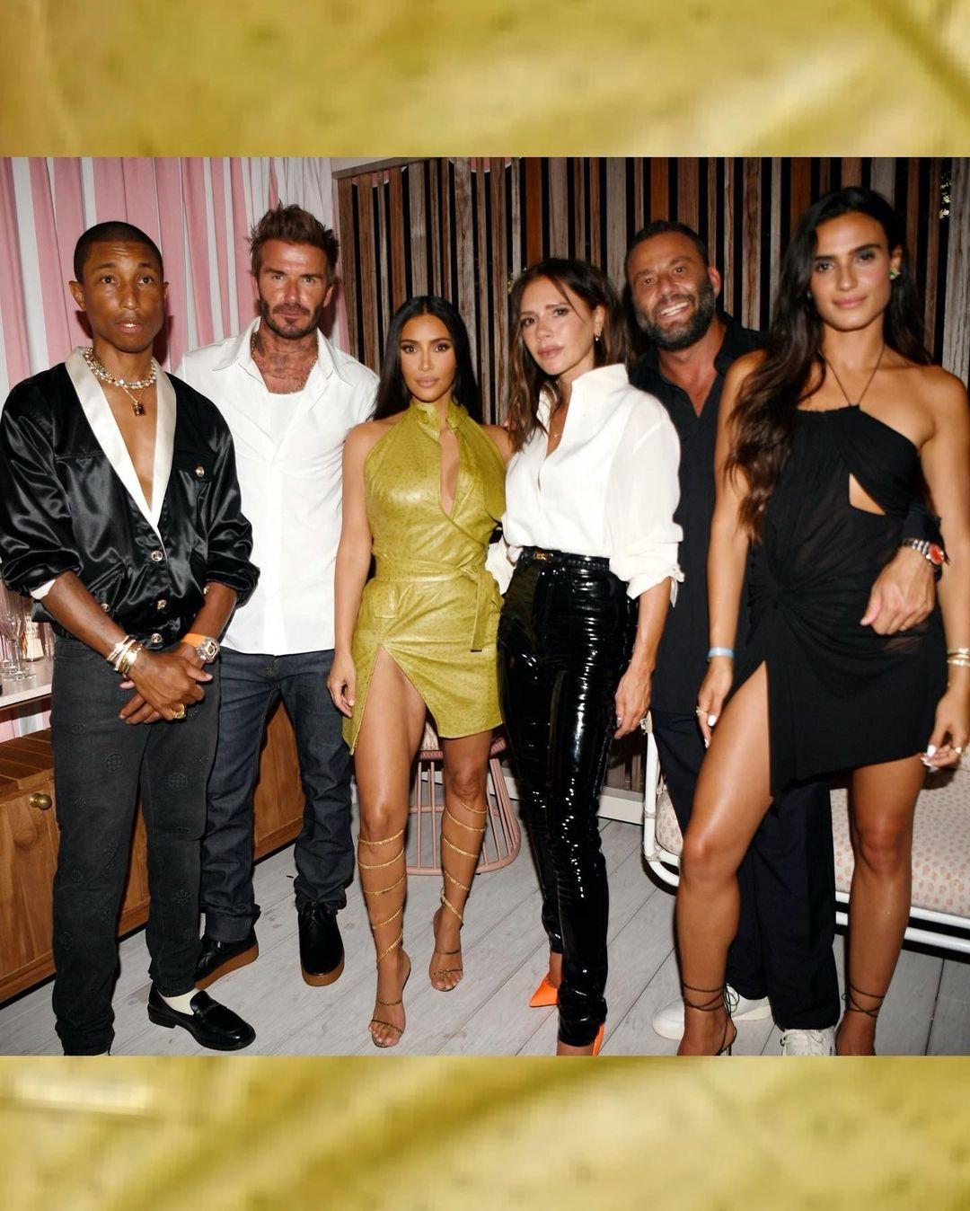 Как вторая кожа: Ким Кардашьян вышла в свет в эффектном мини-платье (ФОТО) - фото №5