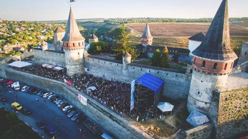 Respublica FEST устроит шоукейс-день для молодых артистов: еще можно подать заявку - фото №3