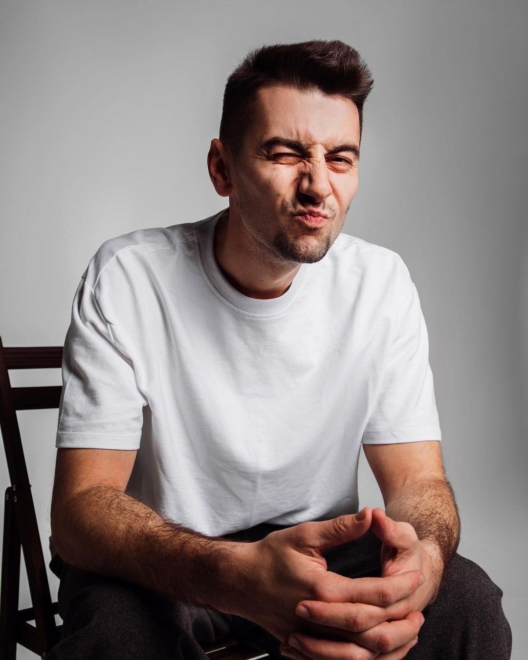 #Сильный. Александр Эллерт о стереотипах: Я делаю маникюр, посещаю косметолога и думаю, что мне надеть — это нормально, когда мужчина следит за собой - фото №4