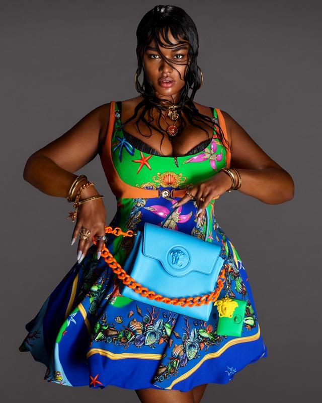 Морские богини: Кендалл Дженнер и Хейли Бибер снялись в рекламной кампании Versace (ФОТО) - фото №4