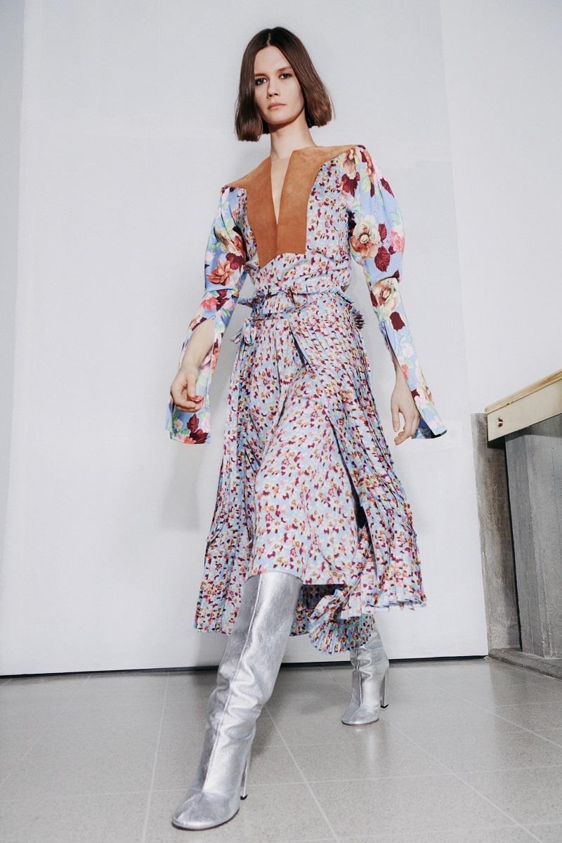 Цветочные платья и элегантные костюмы: обзор новой коллекции Victoria Beckham (ФОТО) - фото №2