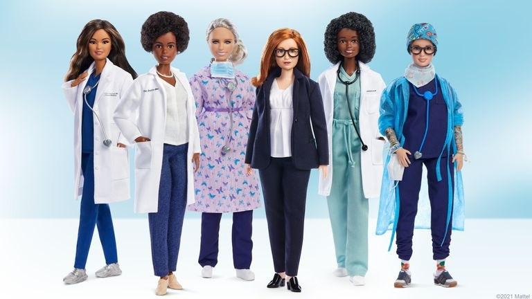 Mattel выпустили куклу Барби на честь создательницы вакцины от коронавируса - фото №1