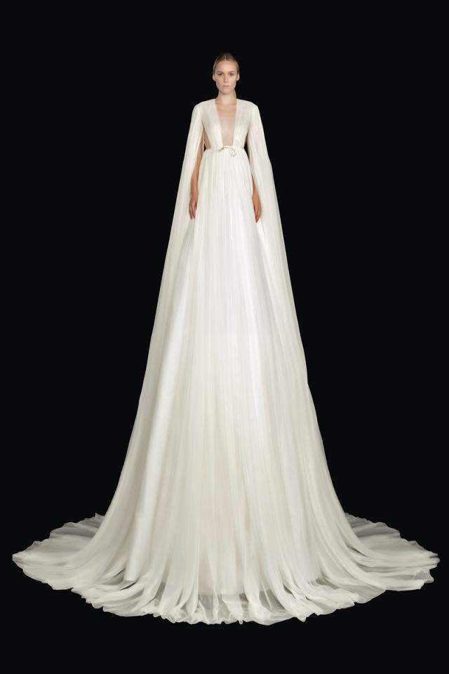 Высокая мода и королевские наряды: новая коллекция Valentino Haute Couture 2021 (ФОТО) - фото №5