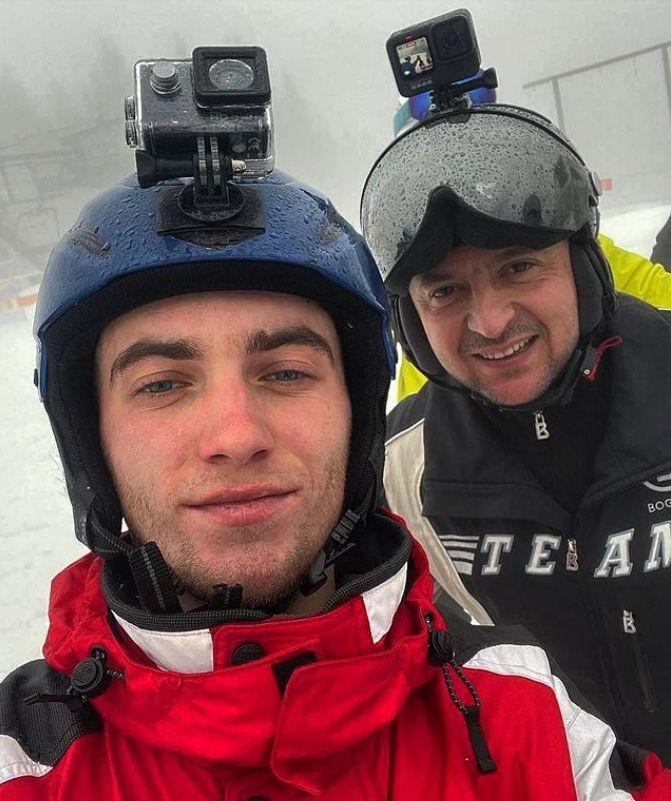 Все ближе к народу: Владимир Зеленский отдыхает на горнолыжном курорте в Буковеле - фото №4