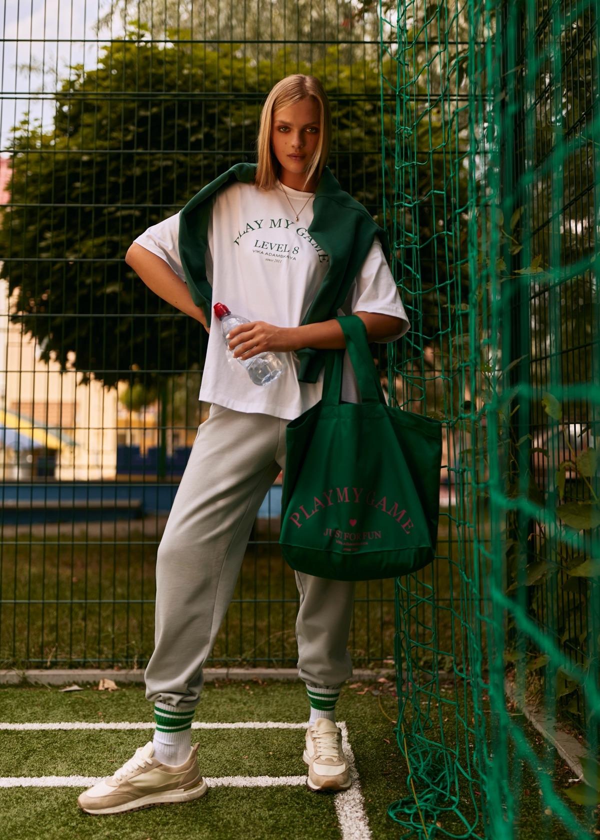 В этом мире побеждает любовь: бренд VIKA ADAMSKAYA представил новую коллекцию стильной спортивной одежды (ФОТО) - фото №4