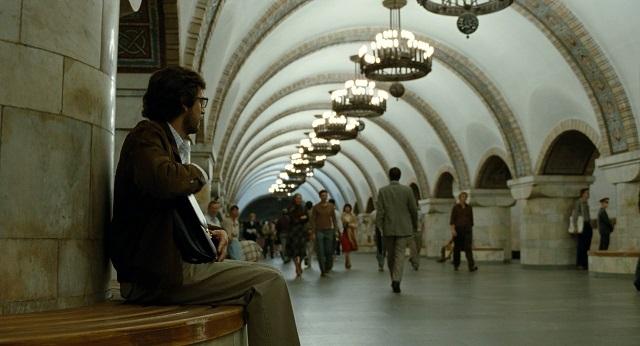 Киев в кино — глазами иностранцев: на ВДНХ хоронили Сталина, а главную библиотеку страны брали штурмом - фото №7
