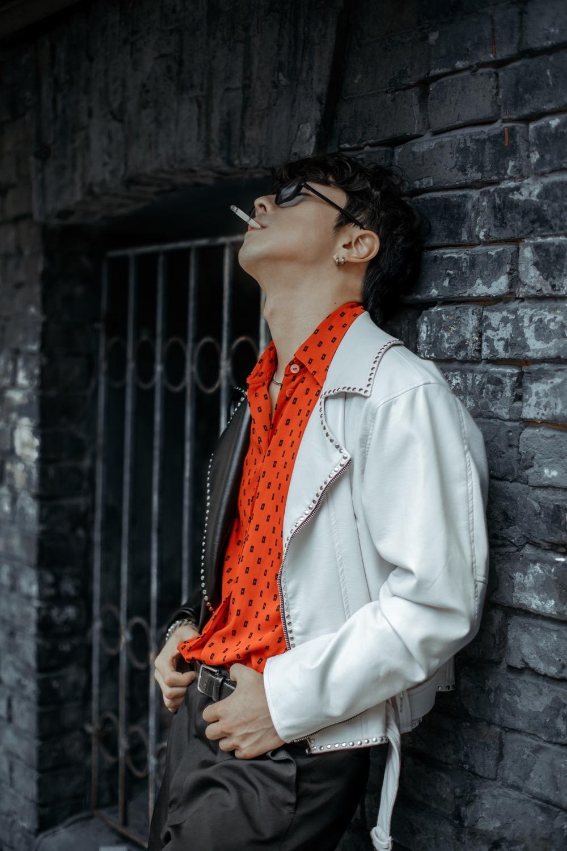 Корейський співак Song wonsub в новій фотосесії приміряв образи від українських дизайнерів - фото №3