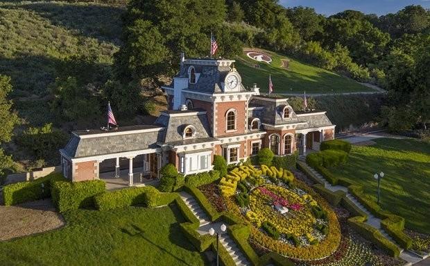 Плохая репутация: ранчо Neverland Майкла Джексона сняли с продажи - фото №1