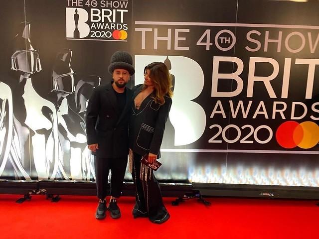 Там был MONATIK: обзор лучших образов с красной дорожки Brit Awards (ФОТО) - фото №13