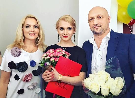 Вот так сюрприз: дочки Марии Порошиной спели со знаменитым дедушкой - фото №3