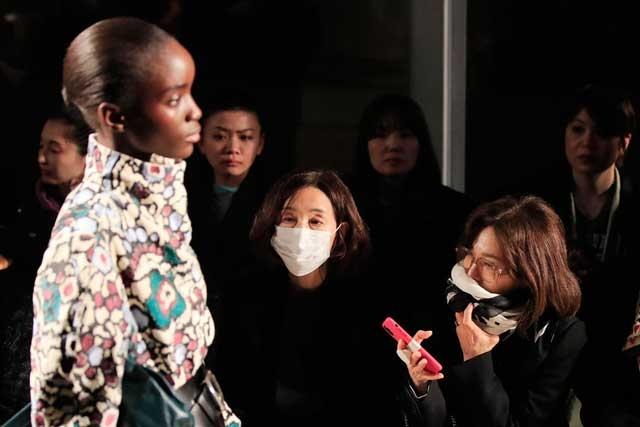 Неделя моды в Париже состоится, несмотря на пандемиюCOVID-19 - фото №2