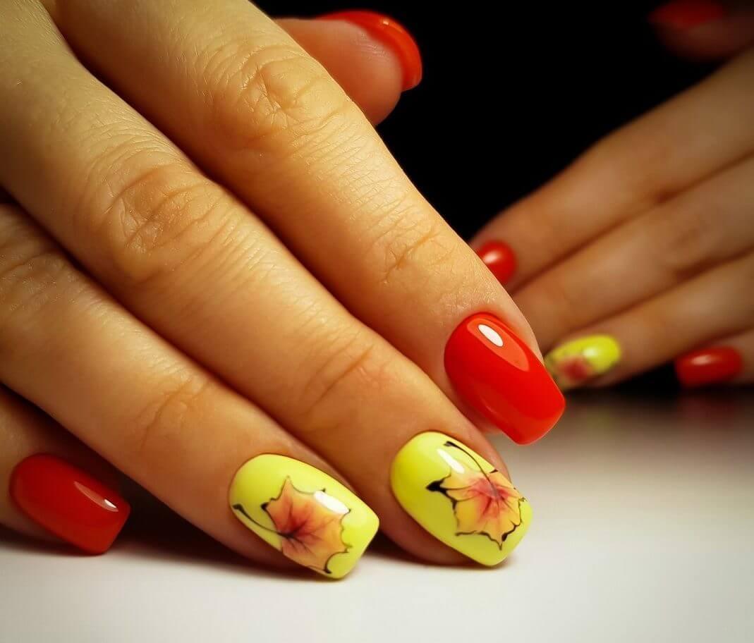 Маникюр с рисунками осенних листьев: лучшие варианты дизайна ногтей - фото №14