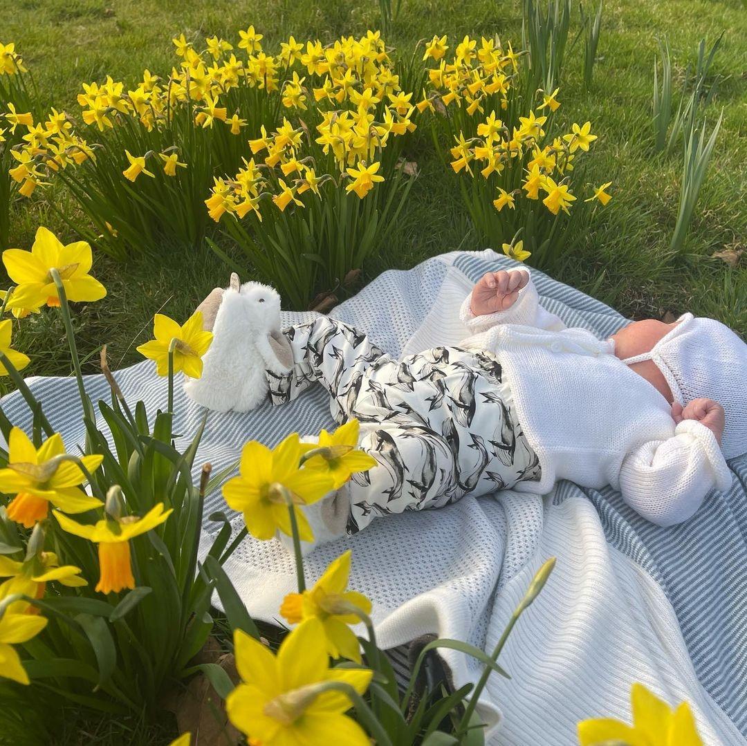 Как трогательно: принцесса Евгения показала новое фото сына - фото №1