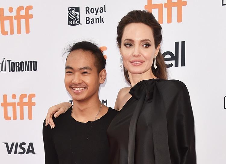 Ходят слухи, что Анджелина Джоли незаконно усыновила приемного ребенка - фото №1