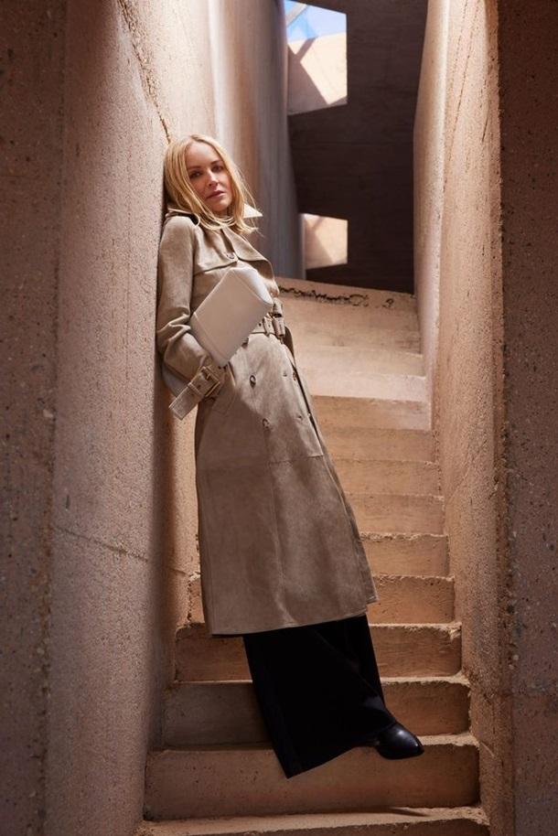 Не отвести глаз: Шэрон Стоун появилась на обложке глянцевого журнала (ФОТО) - фото №3