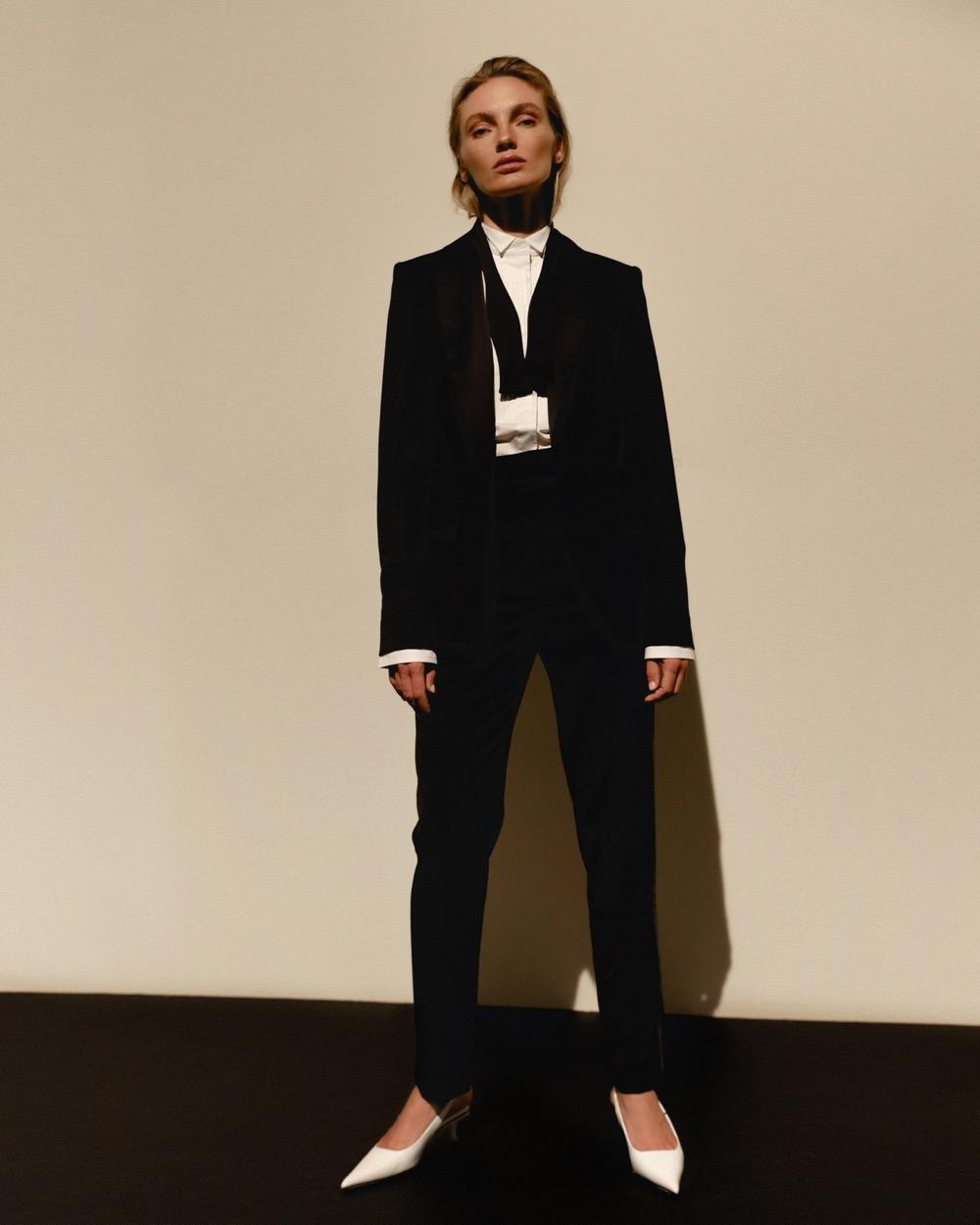 Свежий взгляд на black tie: BEZMEZH представил дебютную коллекцию стильных смокингов (ФОТО) - фото №5