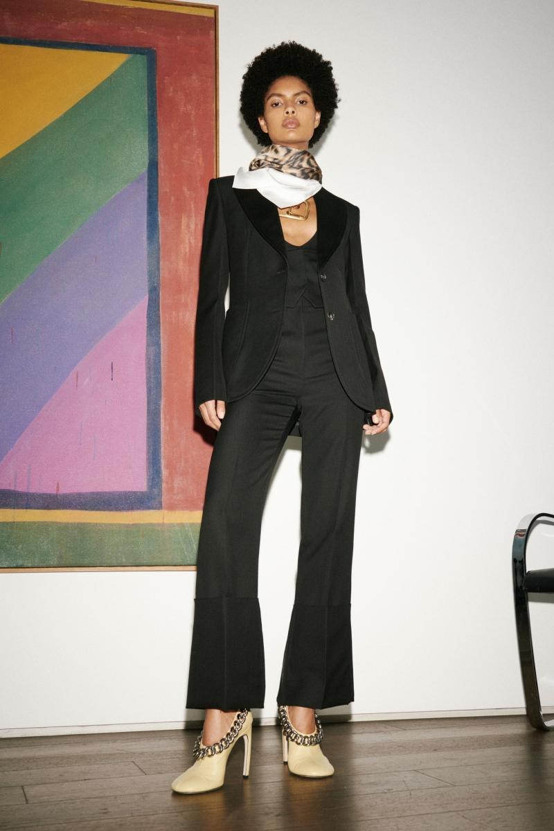 Безупречный стиль и яркие акценты: Виктория Бекхэм представила новую коллекцию (ФОТО) - фото №7
