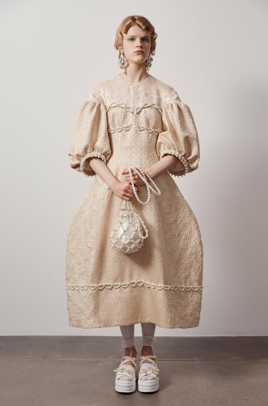 """""""Взрывной, отрезвляющий, зловещий"""": как прошел показ Simone Rocha в лондонской галерее (ФОТО) - фото №2"""