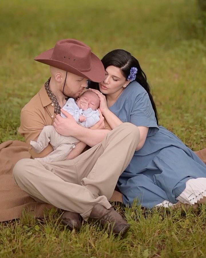 Vlad Darwin впервые показал своего сына в стильной семейной фотосессии (ФОТО+ЭКСКЛЮЗИВНЫЙ КОММЕНТАРИЙ) - фото №3